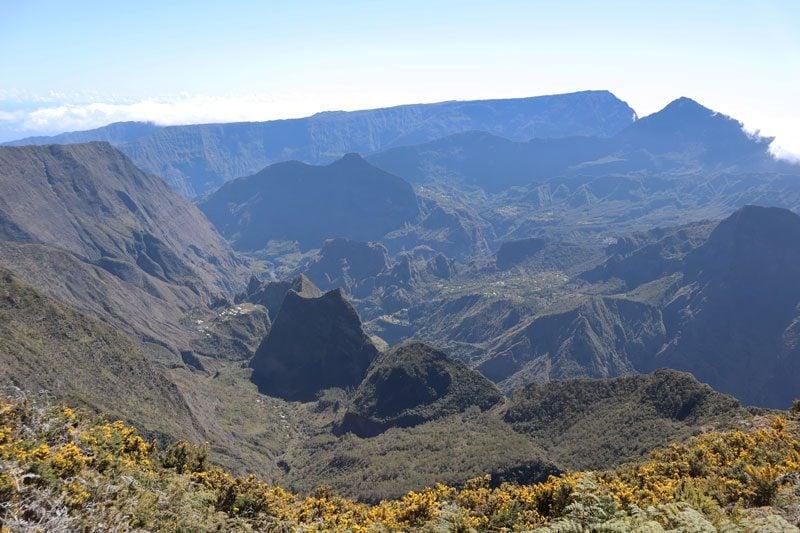 Sentier de Roche Plate - Reunion Island hike - cirque de mafate pinnacle