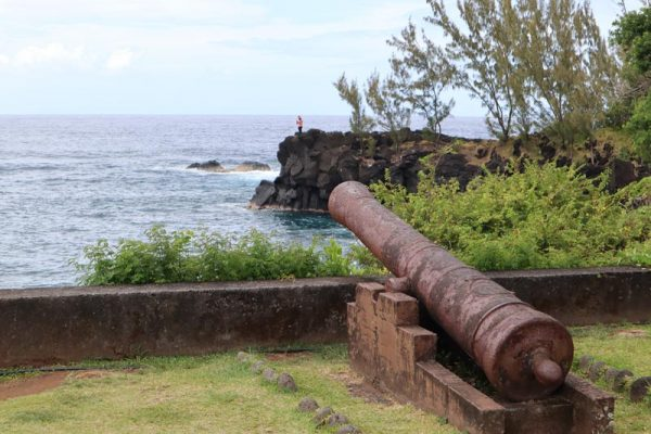 Canon pointing to ocean in Sainte Rose - Reunion Island