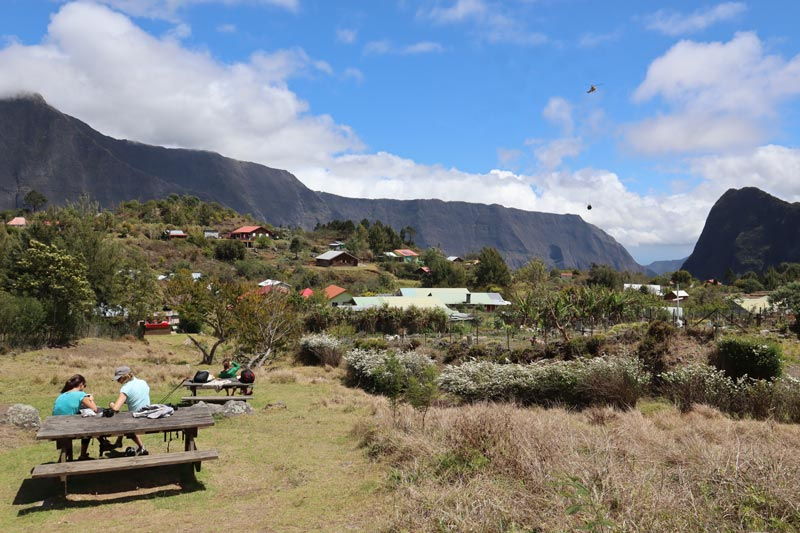 Helicopter bringing supply - La Nouvelle - cirque de Mafate - Reunion Island