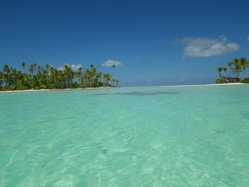 Lagon Bleu Rangiroa - French Polynesia by kajikawa