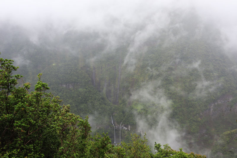 Takamaka Lookout - Reunion Island waterfalls