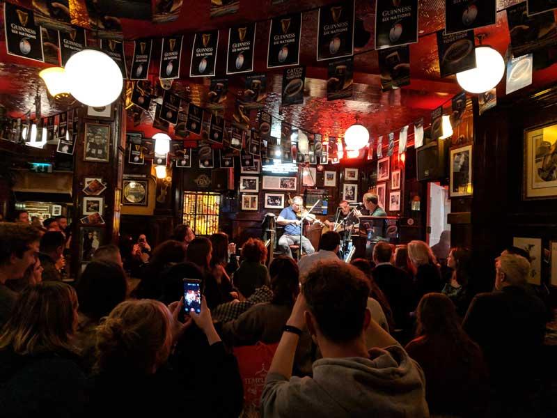 Live irish music Temple Bar - Dublin - Ireland