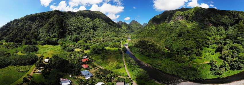 Tautira Valley - Tahiti - French Polynesia - Panoramic view