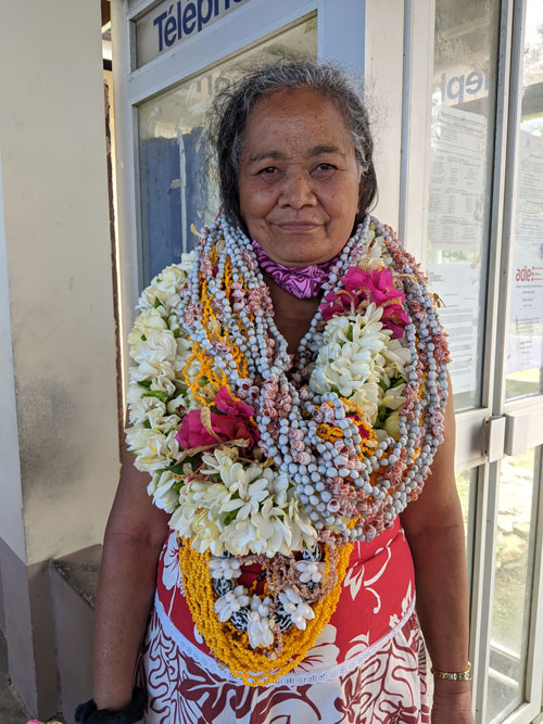 Polynesian woman with flower necklaces - raivavae - austral islands - french polynesia