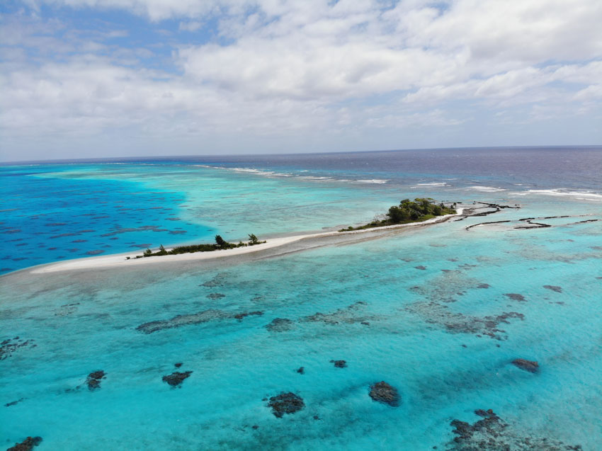 lagoon motu - tubuai - austral islands - french polynesia