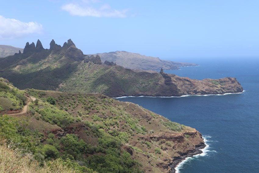 Aakapa dinosaur Cliffs - nuku hiva - marquesas islands - french polynesia