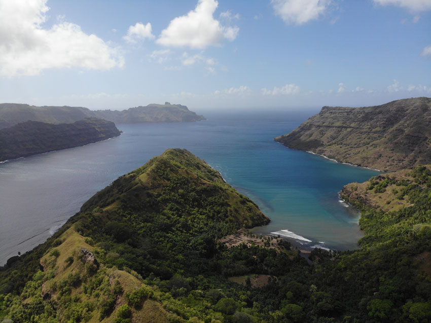Comptroller Bay and Taipivai Valley - nuku hiva - marquesas islands - french polynesia