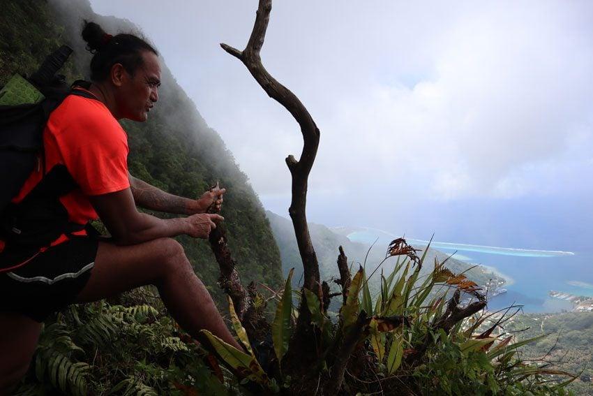 hike to pierced mountain moorea - french polynesia