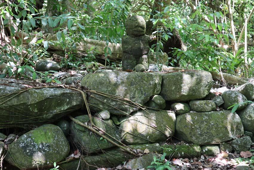 tiki stone statue - Hakaui Valley - nuku hiva - marquesas islands - french polynesia