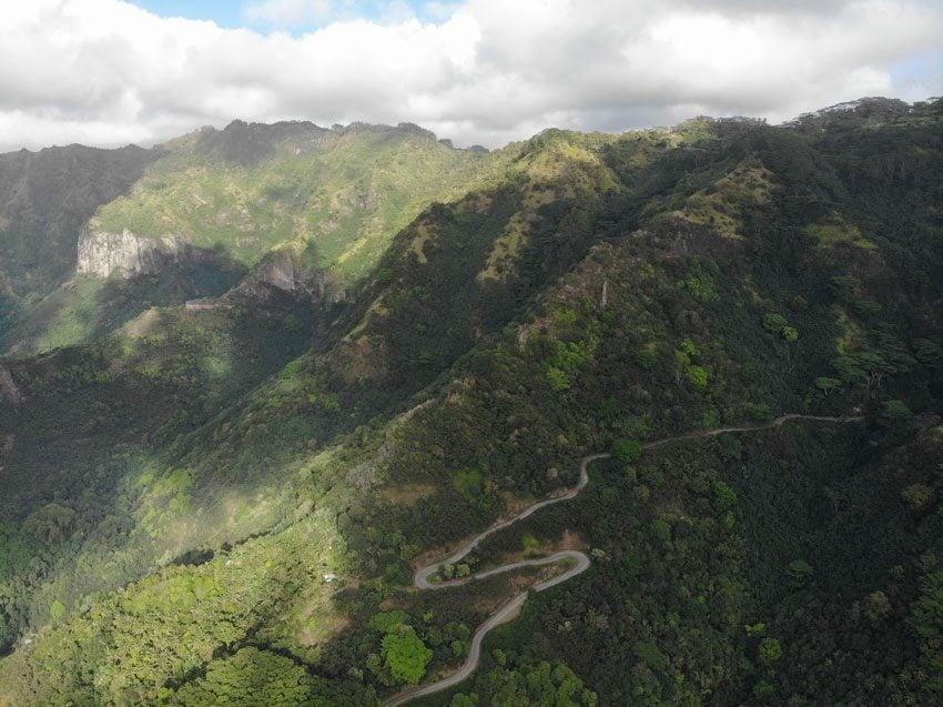 winding road - nuku hiva - marquesas islands - french polynesia